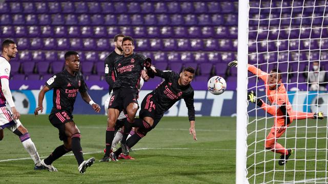 Casemiro ghi bàn thắng mở tỷ số trận đấu