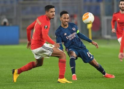 Đội chủ nhà Benfica có phần lấn át Arsenal ở hiệp 1