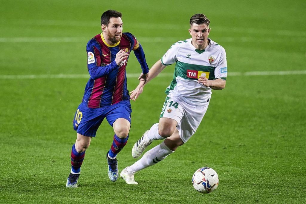 Messi lập cú đúp xuất sắc