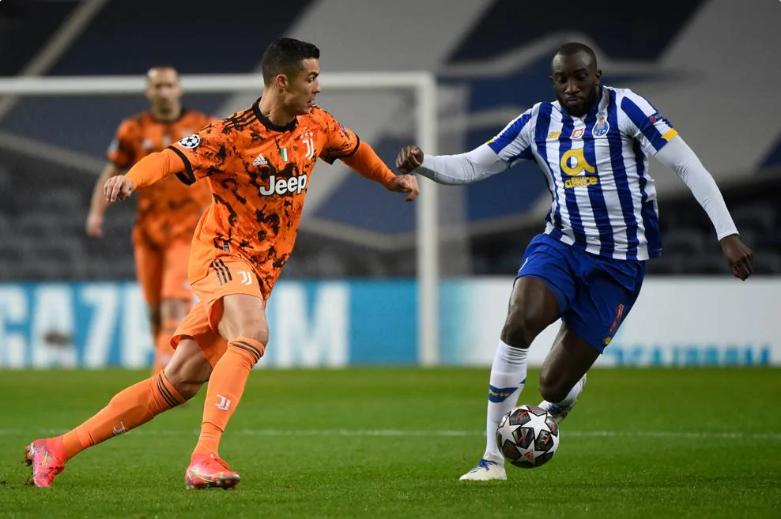 Siêu sao Ronaldo cũng không thể đem lại bàn thắng cho đội trong trận Porto VS Juventus