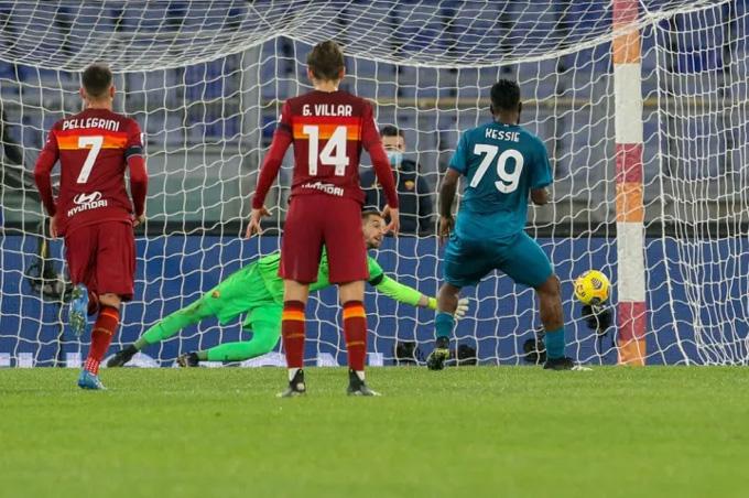Kessie mở tỷ số trận Roma vs Milan
