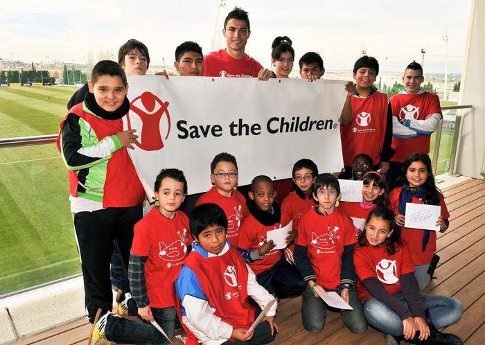 CR7 năng nổ trong các hoạt động từ thiện